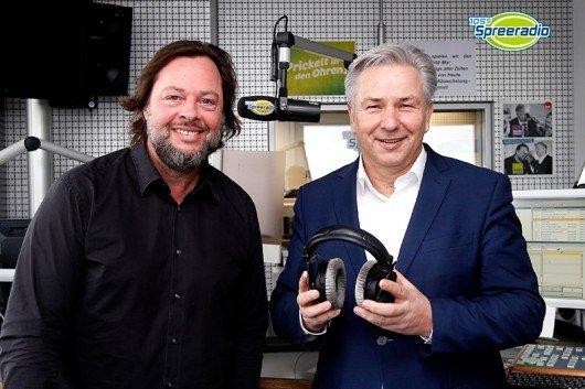 Jochen Trus und Klaus Wowereit (Bild: 105'5 Spreeradio)