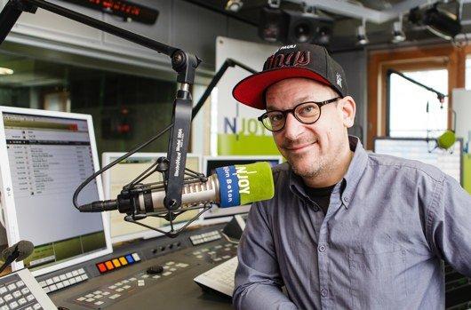 Rapper Björn Beton von der Band Fettes Brot im N-JOY Studio (Bild: NDR/Fotografirma)