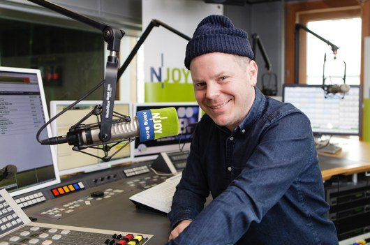 Rapper König Boris von der Band Fettes Brot im N-JOY Studio (Bild: NDR/Fotografirma)