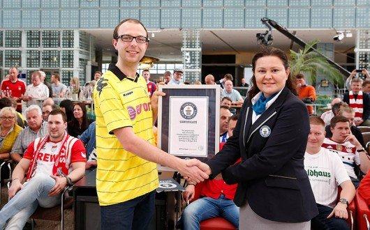 Christian Kinner aus Dortmund gelingt mit 43,56 Sekunden der längste Torschrei der Welt (Bild_ sport1.fm)