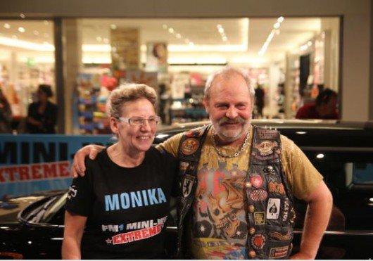Gewinnerin Monika und ihr Konkurrent Hampi. Foto: FM1