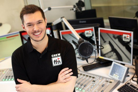 Nordnacht-Moderator Felix Rumpf im ffn-Studio (Bild: radio ffn)