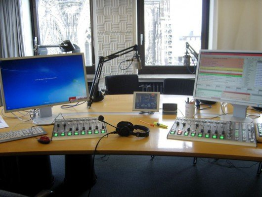 Blick in das Studio von Domradio mit DABiS 800-System (Bild: © Hendrik Leuker-03/15)