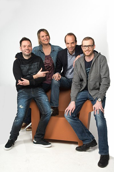 Programmchef Ullrich Jelinek (2. von rechts) mit dem erfolgreichen Morgenshowteam Andy Hohenwarter, Silvia Riegler und Matthias Moser (von links) (Bild: Erwin Wimmer)