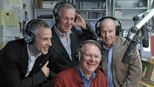 Fredy Kogel, Fritz Egner, Jim Sampson und Jürgen Herrmann (v.l.n.r.) im BAYERN 3-Studio | Bild: BR/Julia Müller