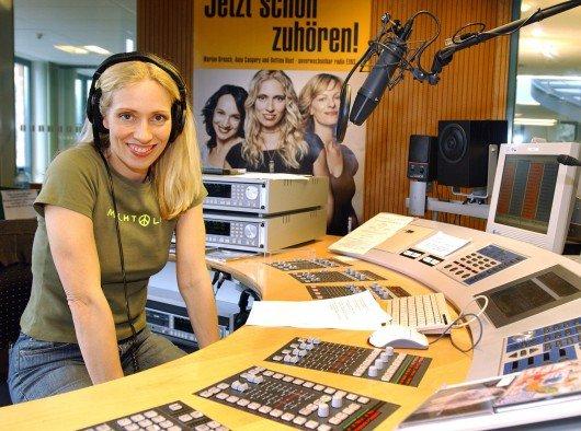 Anja Caspary im Studio von radioeins in Potsdam. Bild: RBB/Michael Haring.