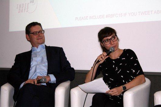 Thorsten Schäfer-Gümbel, Stellvertretender SPD-Bundesvorsitzender und Moderatorin Nina Sonnenberg beim Reeperbahn Festival 2015 (Bild: Inge Seibel)