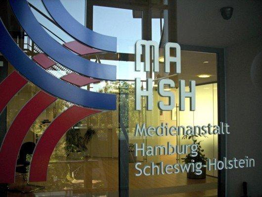 Eingang der MA HSH in Norderstedt (Bild: Hendrik Leuker)