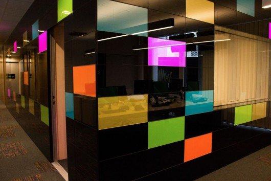 Der neu designte KRONEHIT-Studiokomplex von außen (Bild: KRONEHIT)