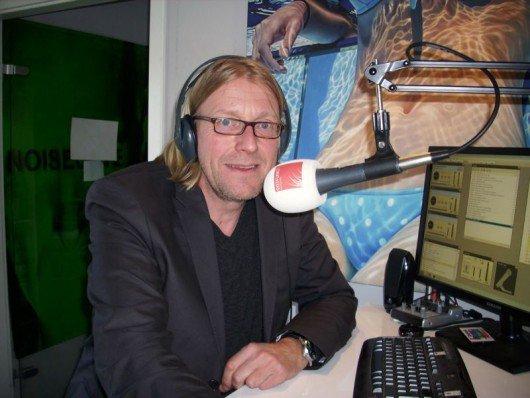 Stefan Hartmann im Syltfunk-Studio (Bild: Hendrik Leuker)