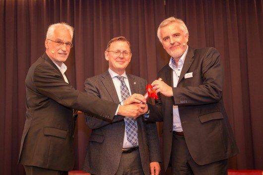 Übergabe des Staffelstabs von Hans-Jürgen Kratz und Ministerpräsident Bodo Ramelow an Marco Maier