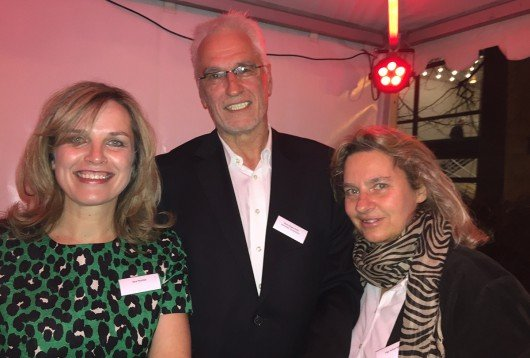 Hans-Jürgen Kratz mit Sina Peschke und Inge Seibel