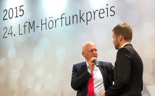 LfM-Direktor Jürgen Brautmeier (links) mit Konstantin Klostermann von Radio Köln, der die Preisgala hervorragend moderierte