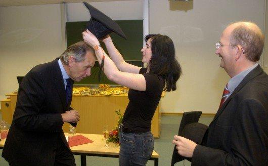 Ernennung zum Professor mit Sabine Kilger und dem damaligen Dekan – und heutigen Rektor der Hochschule – Prof. Dr. Ludwig Hilmer