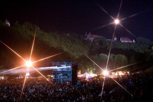Das Taubertal-Festival bei Nacht. Foto: KARO Konzert-Agentur-Rothenburg