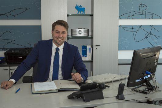 Uwe Conradt im Büro (Bild: ©LMS/Steffen Wessler)