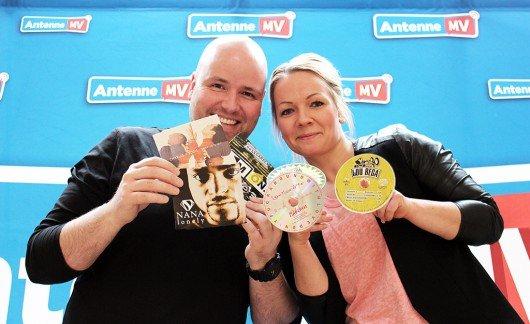 Timo Close und Catharina Amtsberg haben auch einige ihrer Lieblings- One-Hit-Wonder mit reingemixt (Bild: Antenne MV)