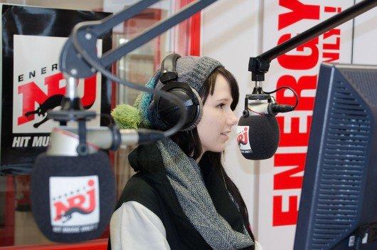 Jamie-Lee im Radio ENERGY-Studio (Bild: © ENERGY)