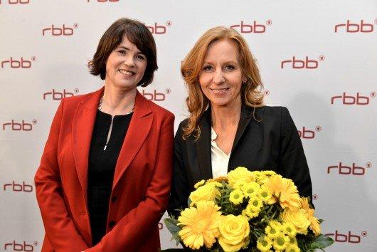 Friederike von Kirchbach und Patricia Schlesinger (Bild: ©rbb/Oliver Ziebe)