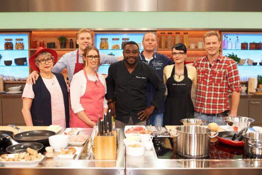 Die Küchenschlacht mit Christian Stübinger, rechts (Bild: © ZDF, Gunnar Nicolaus)