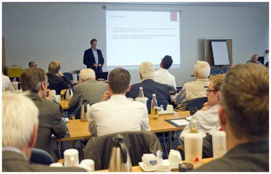 Präsentation Positionierungsstudie für den NRW-Lokalfunk, TRYP Hotel Oberhausen (Bild: NRW-Lokalradios)