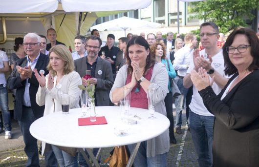 Sommerfest am Funkhaus von radio NRW / v.l.n.r.: Klaus-Peter Janousek, VG-Vorsitzender für Lokalfunk im Kreis Steinfurt, Anja Thiemann, Radio RST, Stefan Nottmeier, Chefredakteur ANTENNE MÜNSTER, Andrea Donat, Chefredakteurin Radio Bochum, Rüdiger Schlund, Chefredakteur Radio Siegen, Andrea Stullich, Chefredakteurin Radio RST (Bild: NRW-Lokalradios)