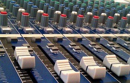 orgeldinger-media-group-mischpult