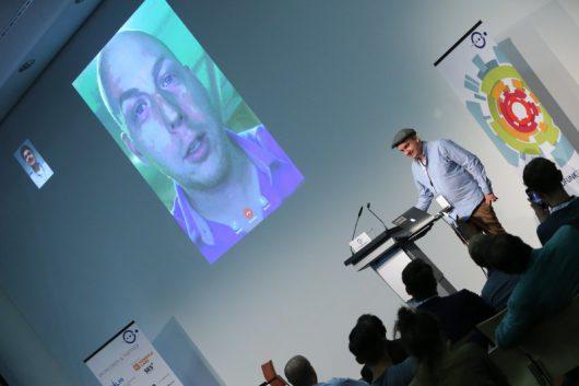 Mark Kaye via Skype und Daniel Fiene (Bild: BLM)
