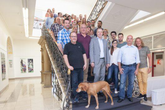 Die Mitarbeiter von radio NRW freuen sich über das MA-Ergebnis. Quelle: radio NRW
