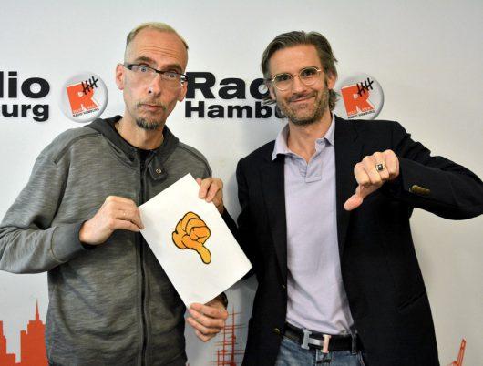 John Ment und Daniel Harbs nach der Verkündung der Ergebnisse. (Bild: radiohamburg.de)
