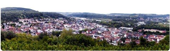 Merzig-Panorama (Bild: ©Ugryz (CC BY-SA 3.0) leicht bearbeitet)