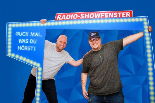 Timo Close macht Platz im Show-Fenster: XXL-Morgenmann Onni Schlebusch übernimmt morgens bei Antenne MV. Foto: Antenne MV
