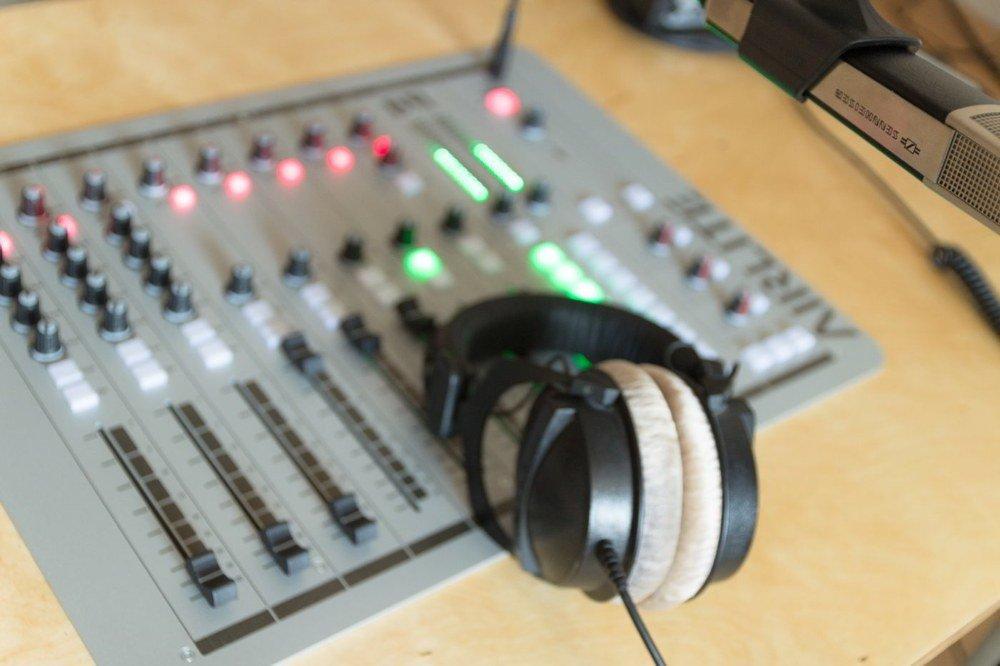 benjamin-hartwig-mischpult-radio