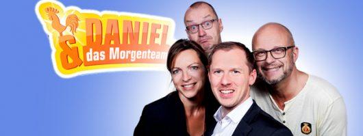 Daniel und das Morgenteam (Bild: © HITRADIO RT1)