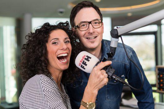 HIT RADIO FFH-Morningshow-Moderatoren Evren Gezer und Horst Hoof (Foto: HIT RADIO FFH)