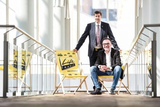 Life Radio GF Christian Stögmüller mit Programmchef Steffen Schambach (Bild: ©OÖ Nachrichten/Weihbold)