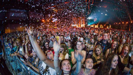 Riesige Stimmung beim Festival-Finale in der Lokhalle (Bild: ©Axel Herzig)