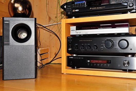 Audio-Anlagen und Bose Subwoofer (Bild: ©Stefan Grünig)