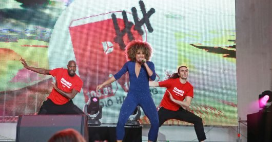 Fleur East auf der Radio Hamburg Top827-Stage (Bild: ©Radio Hamburg)