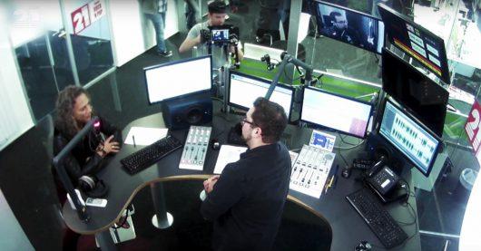 Kirk Hammett im Radio 21-Studio (Bild: Radio 21)
