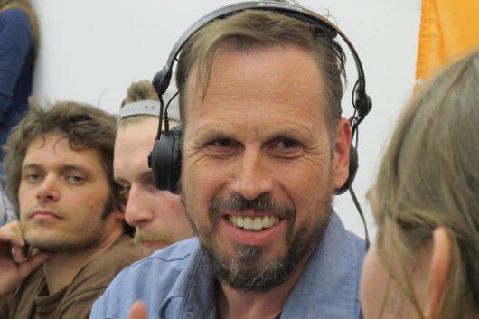 Achim Bogdahn während der Zündfunk-Sendung am 29. März 2014 live aus dem Quelle-Gebäude in Nürnberg (Bild: BR/Zündfunk)