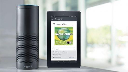 """Den Lautsprecher """"Echo"""" von  Amazon steuert man per Stimme – und kann so zum Beispiel die aktuelle FFH-Nachrichtensendung hören (""""Alexa, gib mir die tägliche Zusammenfassung""""). HIT RADIO FFH ist der erste Privatsender in Deutschland, der die digitale Assistentin """"Alexa"""" unterstützt."""
