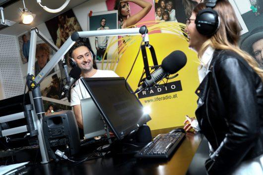 Der neue Morgen auf Life Radio mit Wolfgang und Steffi (Bild: ©Weihbold/Life Radio)
