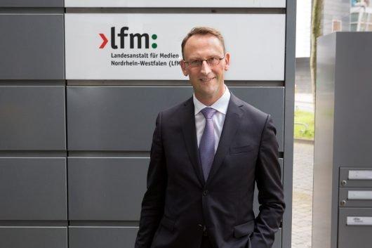 LfM-Direktor Dr. Tobias Schmid (© Uwe Völkner / FOX)