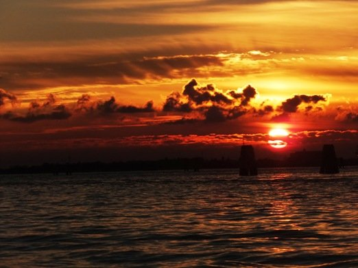 Sonnenuntergang bei Venedig (Foto: © James Cridland)
