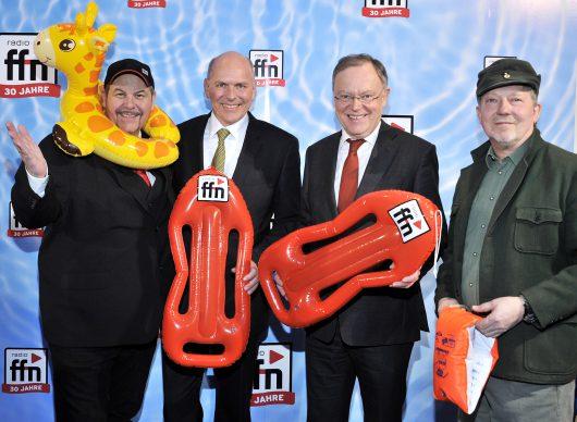 ffn-Morgenmän Franky, ffn-Geschäftsführer Harald Gehrung, Niedersächsischer Ministerpräsident Stephan Weil, ffn-Comedian Dietmar Wischmeyer