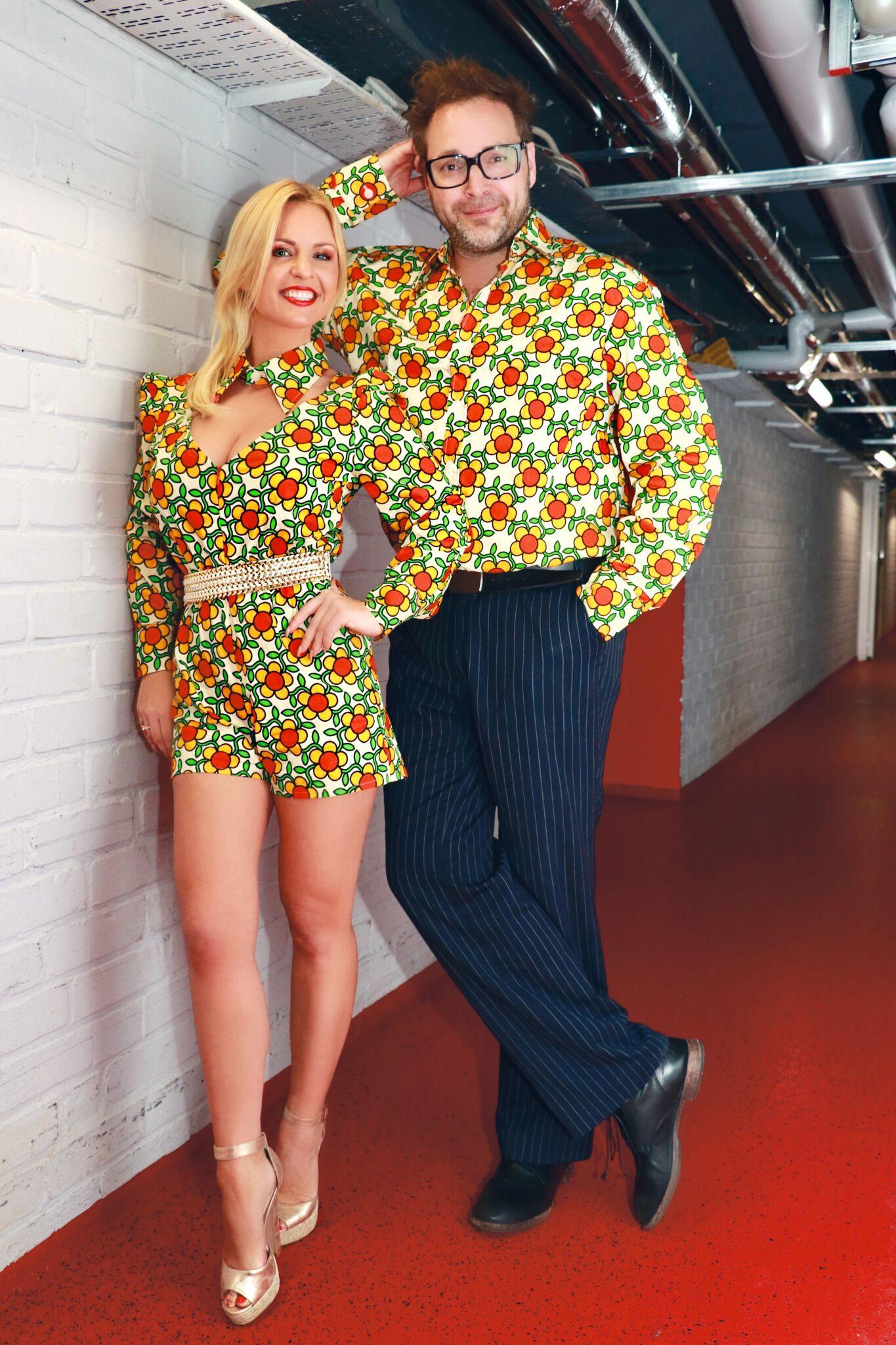 Julia Porath und Paul Panzer im Partner-Look (Bild: ©Antenne MV)