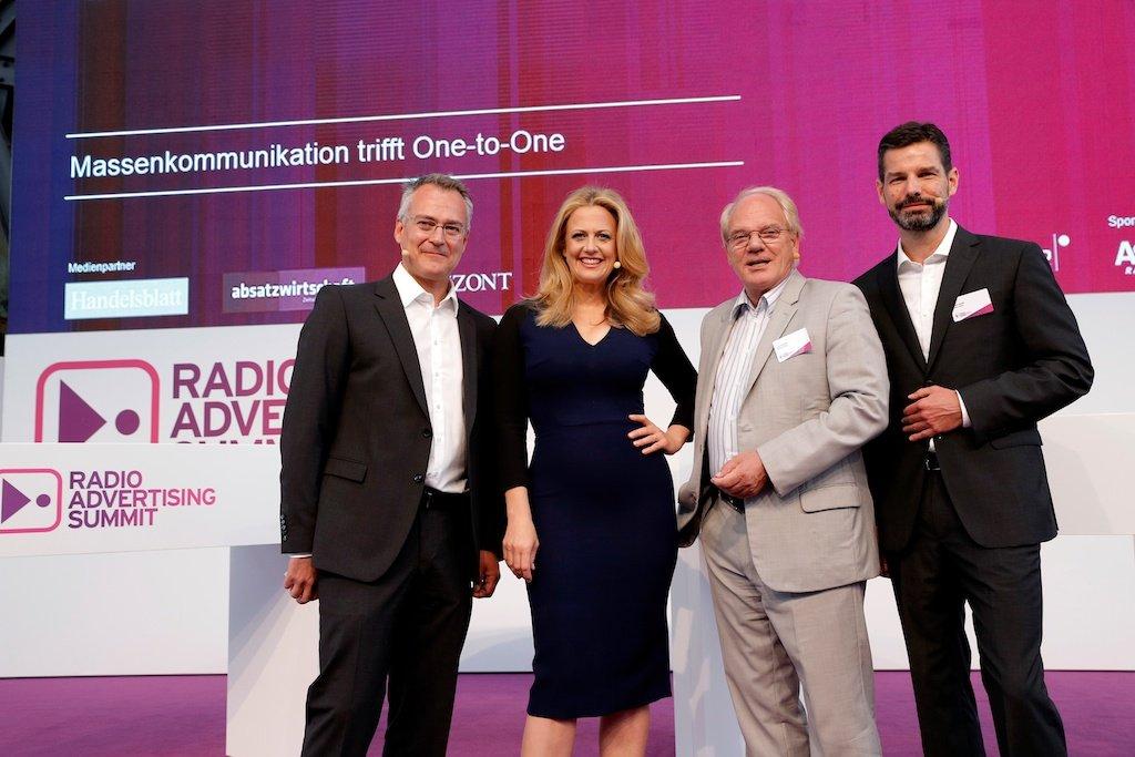 Florian Ruckert (RMS), Barbara Schöneberger, Lutz Kuckuck (Radiozentrale), Oliver Adrian (AS&S Radio)