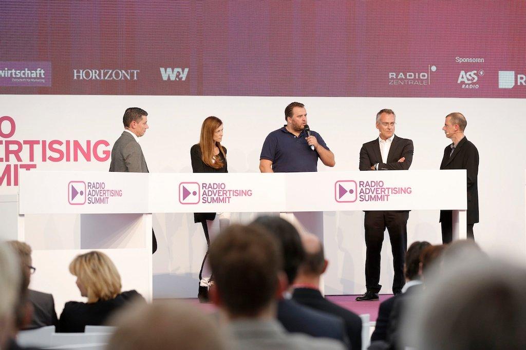 Christian Scholz (Mindshare), Anne Stillig (Vodafone), Stefan Zilch (Spotify), Florian Ruckert (RMS), Helmut van Rinsum (Fachmoderation)