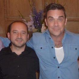FFH-Musikchef Matthias Weber mit Robbie Williams